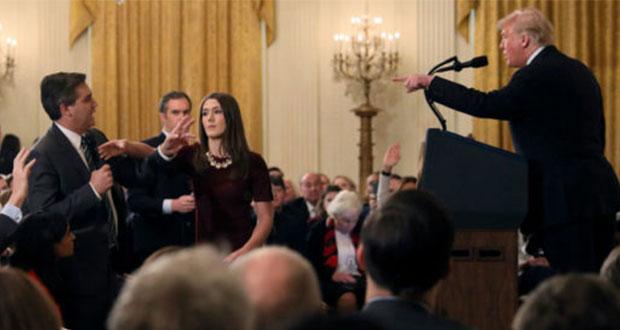 Casa Blanca desestima demanda de CNN por retirar acceso a periodista