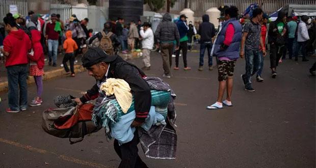 En Tijuana, reubican a migrantes; siguen intentando saltar a EU