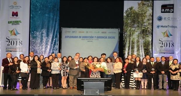 Sedif encabeza graduación de diplomado para profesionalizar a ONGs
