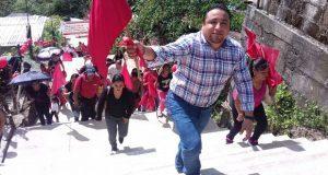 Inauguran escalinatas en la colonia Ojo de Agua de Xicotepec