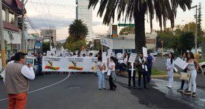 Marchan en avenida Juárez para exigir a autoridades más seguridad en Puebla