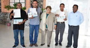 Tras 4 años, en Molcaxac reciben cuatro permisos de transporte