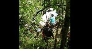 Seis menores futbolistas y un adulto mueren por volcadura en Perú