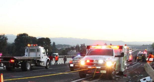 Dos accidentes en la Puebla-Orizaba dejan dos heridos y rapiña