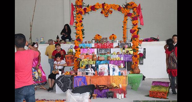 Antorcha realiza segundo concurso de ofrendas en Huauchinango