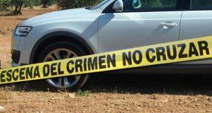 En Tlalancaleca, hallan cadáver de hombre con disparo dentro de auto