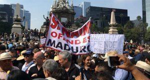 En CDMX, marchan contra consulta de AMLO y exigen seguir con NAIM