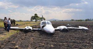 Avioneta se queda sin frenos tras aterrizar en Michoacán