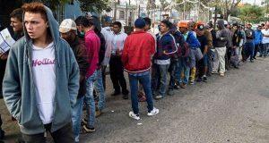 Alcalde de Tijuana exige a gobierno federal encargarse de migrantes