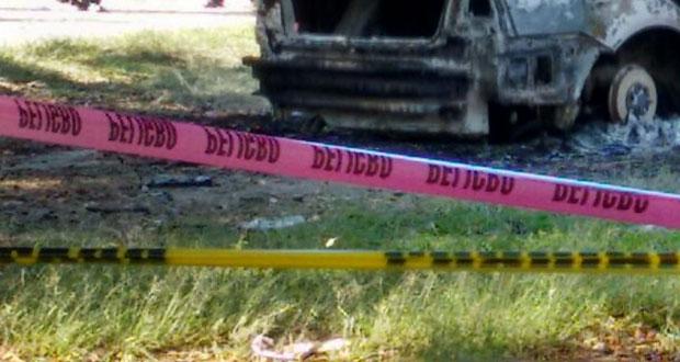Hombre muere calcinado al interior de su auto en la Puebla-Tehuacán