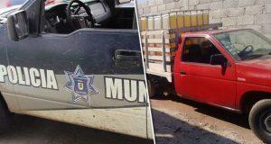"""Exhiben a patrullas de Tlahuapan cuidando camioneta con """"huachicol"""""""