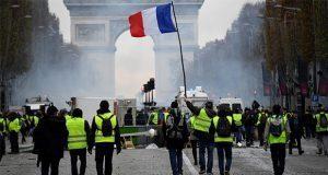Suman dos fines de semana de protestas en Francia ¿por qué?