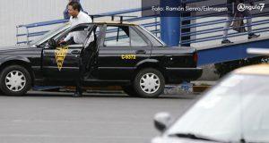 Endurecerán penas contra taxis piratas de Puebla