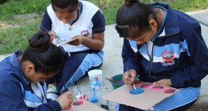 Impulsan taller de pintura y serigrafía en escuela de Huitzilan