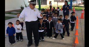 En San Andrés, imparten a estudiantes talleres de educación vial