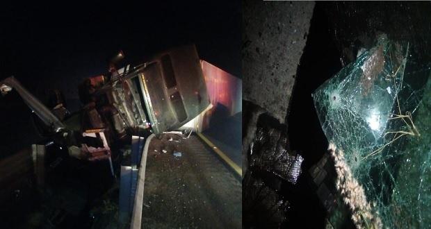 Un trailero muerto y otro herido con disparos en autopista por Acatzingo