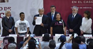 AMLO decreta comisión para Ayotzinapa