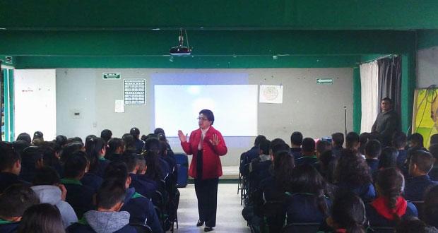 DIF de Ixcaquixtla da pláticas de orientación a estudiantes
