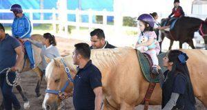 Ayuntamiento realiza primera feria de servicios para discapacitados