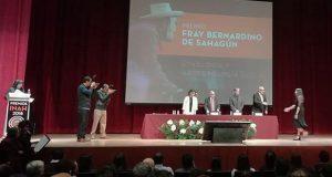 Egresada de la BUAP recibe premio del INAH por tesis de maestría