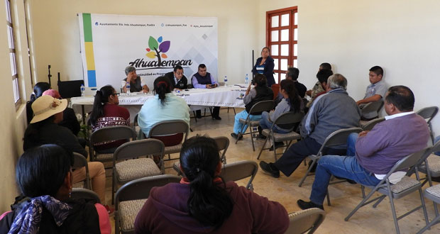 Estudiantes de Ahuatempan tendrán descuento para transporte