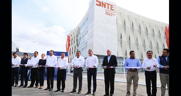 Gobierno estatal inaugura edificios para sección 32 y 51 del SNTE