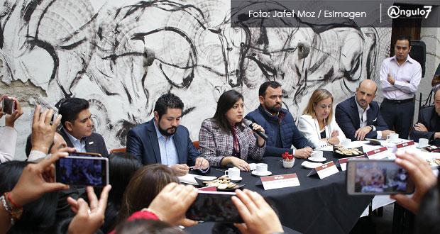 IP y Comuna de Puebla acuerdan prohibir a ambulantes vender piratería en CH