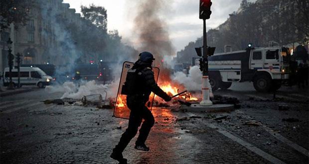 Protestas contra precio de gasolina en París dejan 133 heridos