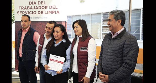 Rivera celebra a los trabajadores del servicio de limpia en su día