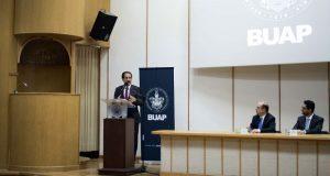 Facultad de Derecho, precursora en desarrollo de comunidad: Esparza