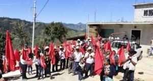 Inauguran ampliación eléctrica en sección tercera de Coyomeapan