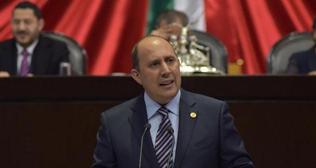 Manzanilla presenta iniciativa para combatir el lavado de dinero
