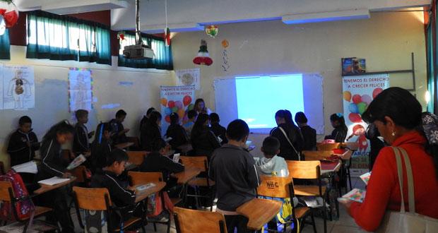 Imparten pláticas de prevención de trata de personas en Ahuatempan