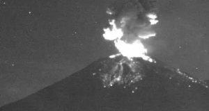 Popocatépetl registra erupción con columna de humo de mil metros