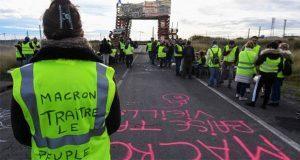 Por protestas, Francia suspende impuestos a gasolinas durante 6 meses