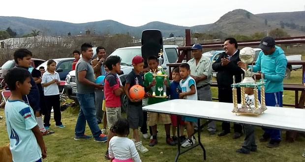 Antorcha realiza torneo relámpago de futbol juvenil en Ocoyucan