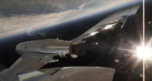 Virgin Galactic llega en vuelo comercial por primera vez al espacio
