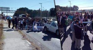 Alumnos de Amozoc exigen al edil pague a maestros de cuatro escuelas
