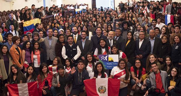 BUAP recibe 424 estudiantes de intercambio de 8 estados y 16 países