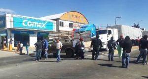 Bloquean la Puebla-Tehuacán para exigir elecciones en Amozoc