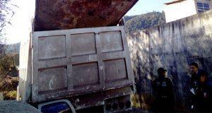 Explota camión de volteo en Zacapoaxtla y mueren dos personas
