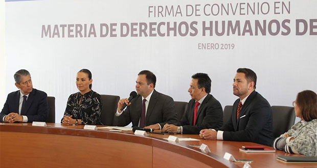 Gobierno estatal firma convenio sobre derechos humanos de mujeres