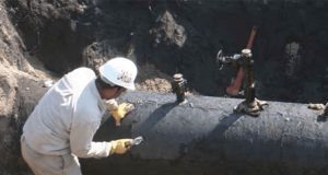 Hallan toma clandestina en refinería de Salamanca, reporta AMLO