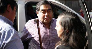 No es momento para hablar de la candidatura, señala Barbosa