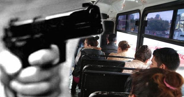 En un día, asaltan 3 rutas de transporte público en Puebla capital