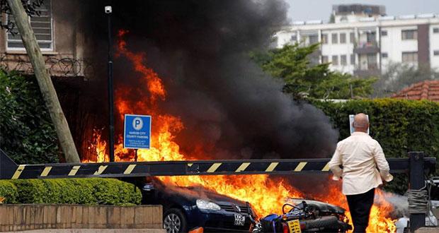 Suman 21 muertos y 28 heridos por atentado en hotel de Kenia
