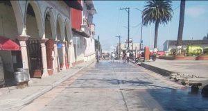 Continúa pavimentación con concreto hidráulico en calle de Hueyapan