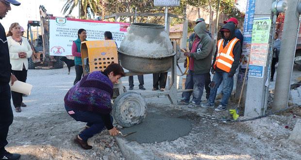 Inicia construcción de andador en colonia de Tepexi de Rodríguez