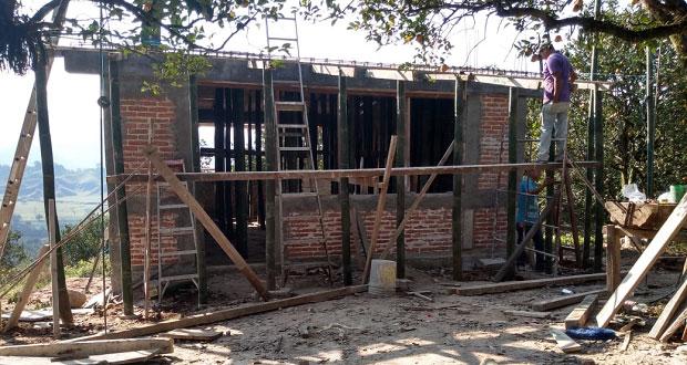 Inicia construcción de aulas para un bachillerato en Ayotoxco