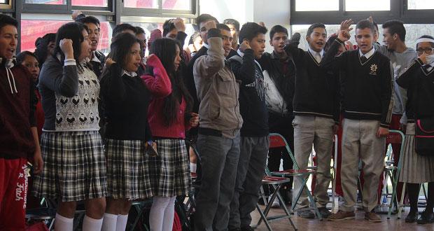 Estudiantes realizan convivencia cultural en Puebla capital